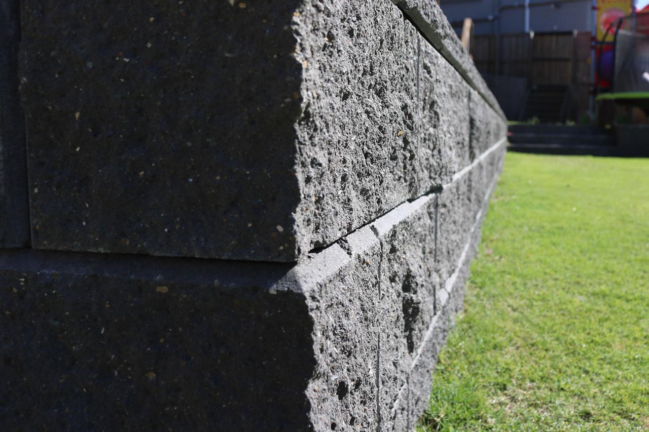 concrete retaining wall builder gold coast